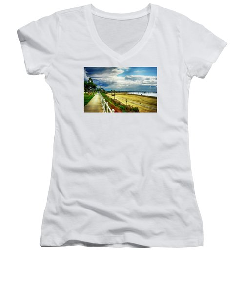 Women's V-Neck T-Shirt (Junior Cut) featuring the photograph Long Beach Bluff Park by Joseph Hollingsworth