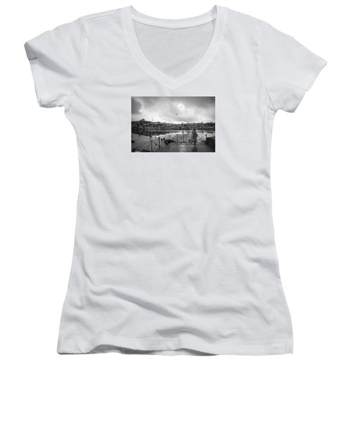 Looking And Passing By Women's V-Neck (Athletic Fit)