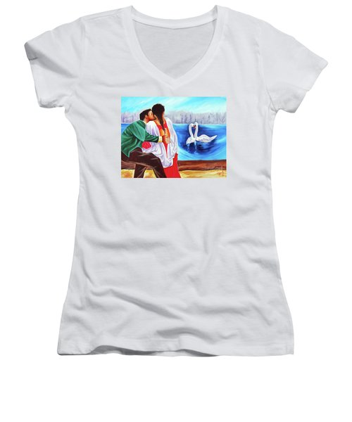 Love Undefined Women's V-Neck T-Shirt