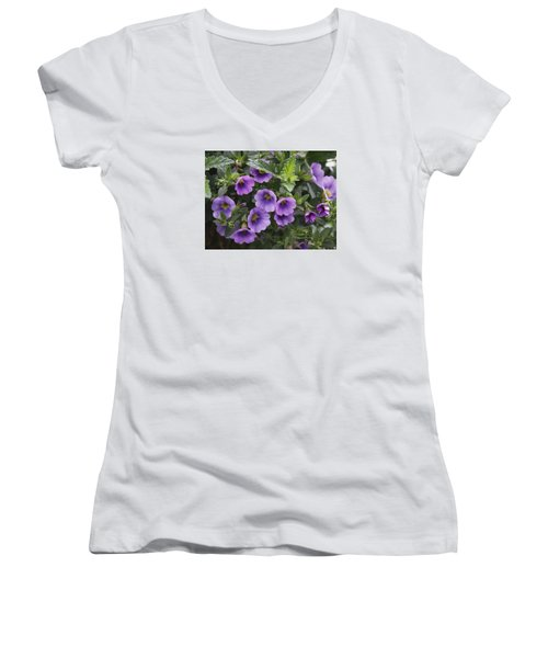 Mallow Women's V-Neck (Athletic Fit)