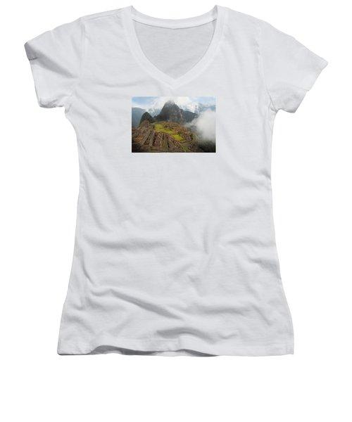 Manchu Picchu Women's V-Neck