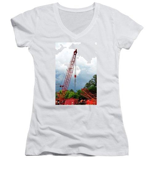 Manitowoc Crane 2015 Women's V-Neck T-Shirt