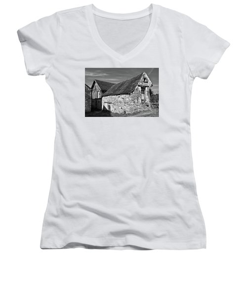 Medieval Country House Sound Women's V-Neck (Athletic Fit)
