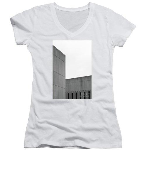 Medsci Building Women's V-Neck T-Shirt