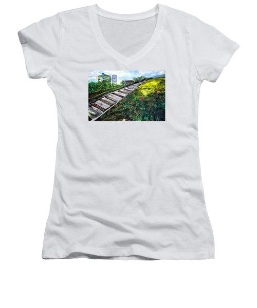 Memories Of Commonwealth Women's V-Neck T-Shirt