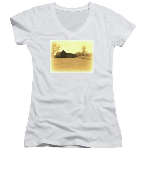 Memories Of Long Ago - Barn Women's V-Neck T-Shirt (Junior Cut) by Susan Lafleur