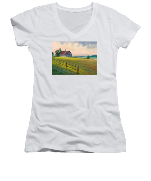 Missouri Barn Women's V-Neck