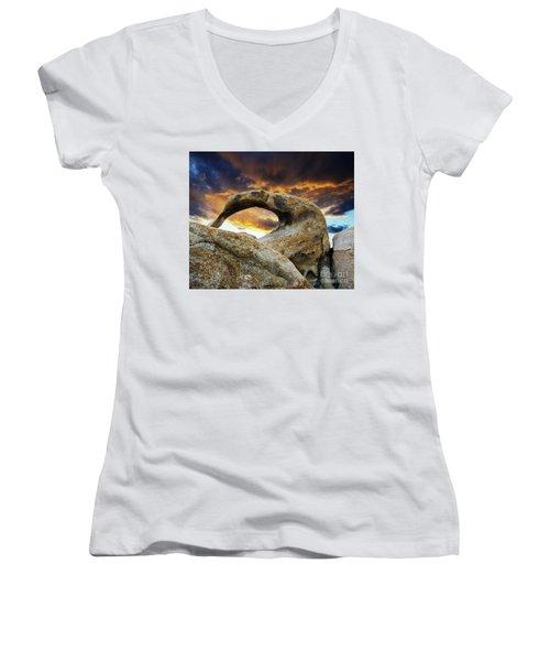 Mobious Arch California 7 Women's V-Neck T-Shirt (Junior Cut) by Bob Christopher