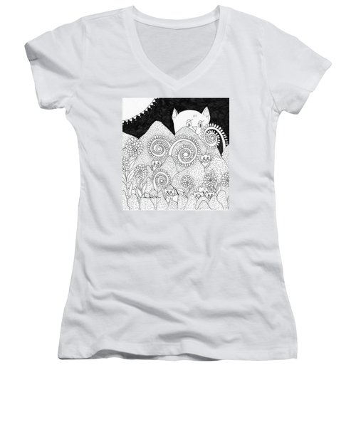 Mom Sees All Women's V-Neck T-Shirt (Junior Cut) by Lou Belcher
