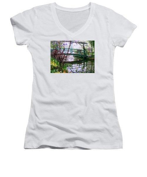 Monet's Bridge Women's V-Neck (Athletic Fit)
