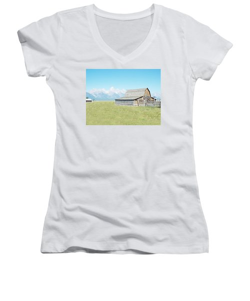 Mormon Row Barn - Grand Tetons Women's V-Neck T-Shirt