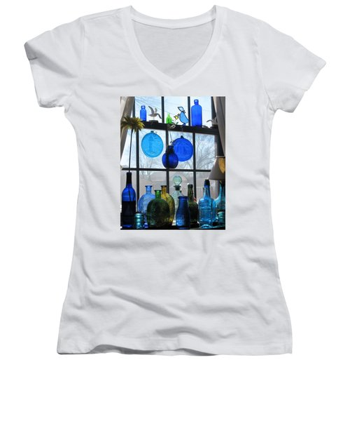 Women's V-Neck T-Shirt (Junior Cut) featuring the photograph Morning Sun by John Scates