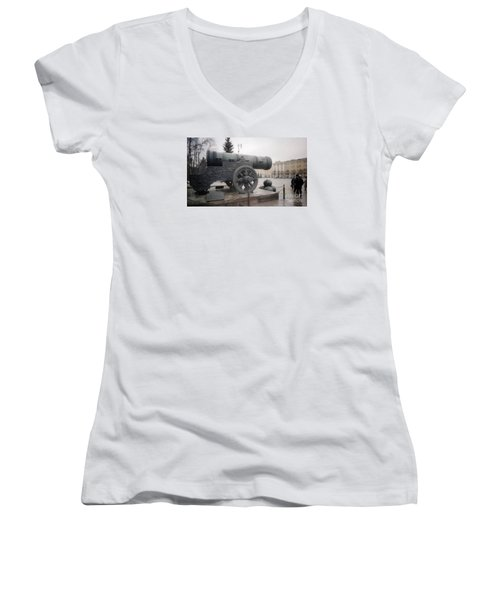 Moscow Cannon Relic Women's V-Neck T-Shirt (Junior Cut) by Ted Pollard