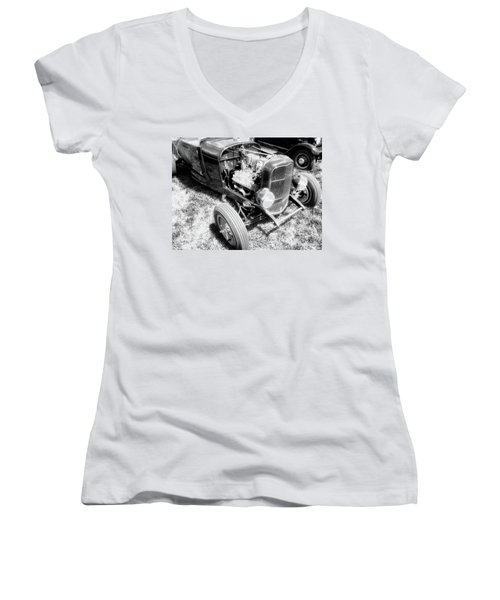 Motor Wheel Bw Women's V-Neck