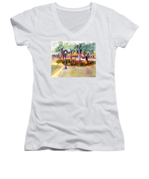 Munn Park, Lakeland, Fl Women's V-Neck T-Shirt (Junior Cut) by Larry Hamilton