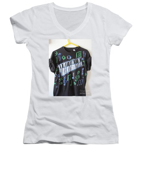 Musician Tee Shirt - Sierra Leone Women's V-Neck (Athletic Fit)