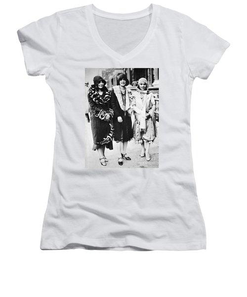 New York - Harlem C1927 Women's V-Neck T-Shirt