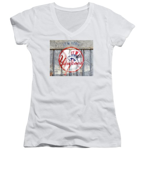 New York Yankees Top Hat Rustic Women's V-Neck