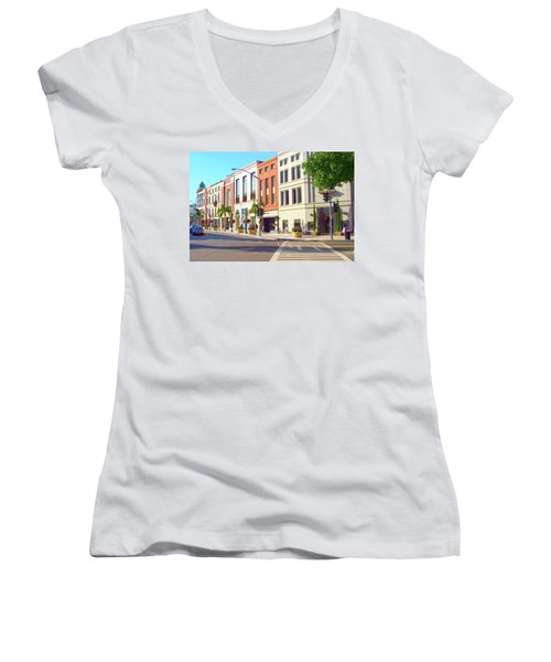 North Rodeo Drive Women's V-Neck