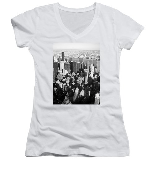 Nyc Bw Women's V-Neck (Athletic Fit)