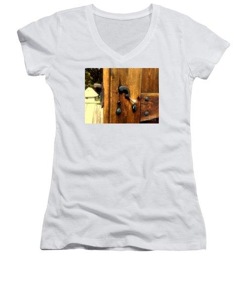 Old Door Handle Women's V-Neck T-Shirt