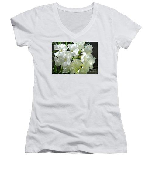 Oleander Mont Blanc 2 Women's V-Neck