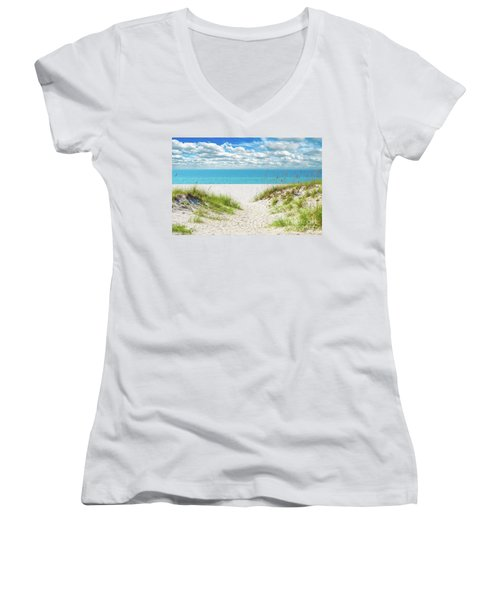 Orange Beach Al Seascape 1086a Women's V-Neck