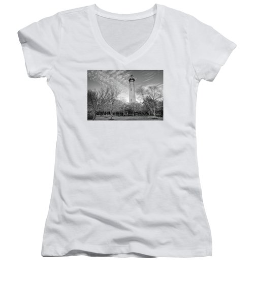 Outer Banks Winter At The Currituck Lighthouse Bw Women's V-Neck T-Shirt (Junior Cut) by Dan Carmichael