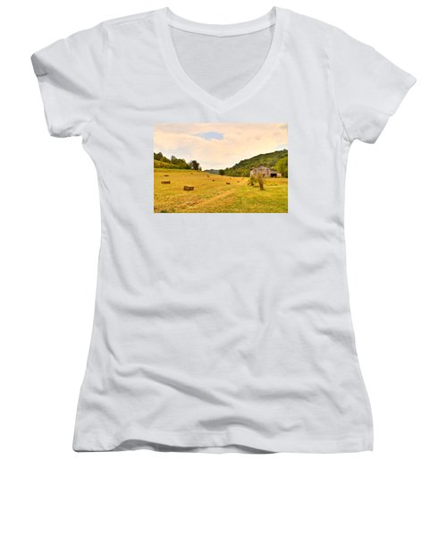 Pastorial Framland In Kentucky Women's V-Neck (Athletic Fit)