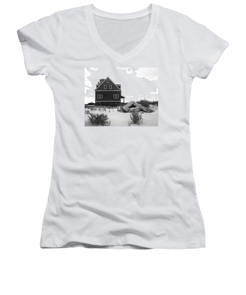 Women's V-Neck T-Shirt featuring the photograph Pea Island Station 1 by Alan Raasch