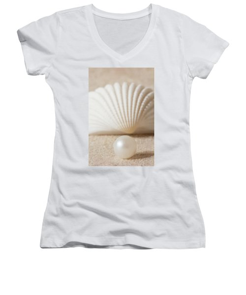 Pearl And Shell Women's V-Neck (Athletic Fit)