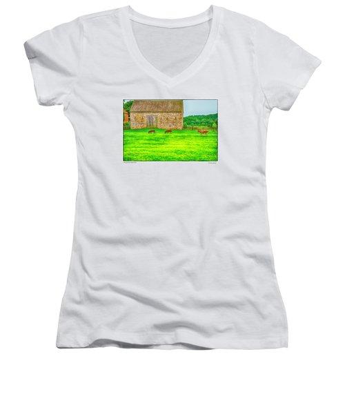 Pennsylvania's Oldest Barn Women's V-Neck T-Shirt