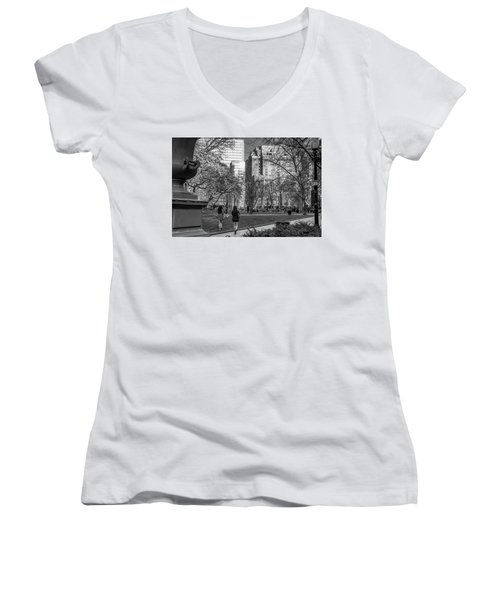 Philadelphia Street Photography - 0902 Women's V-Neck T-Shirt