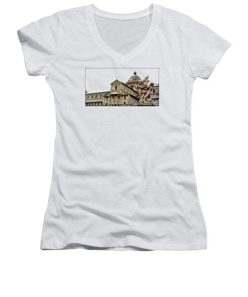 Pisa Cherubs Women's V-Neck T-Shirt