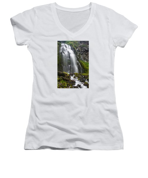 Plaikni Falls Women's V-Neck T-Shirt