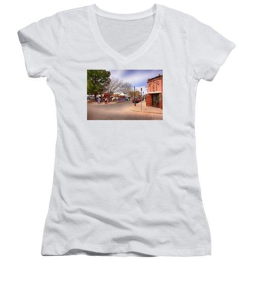 Plaza De Mesilla Women's V-Neck