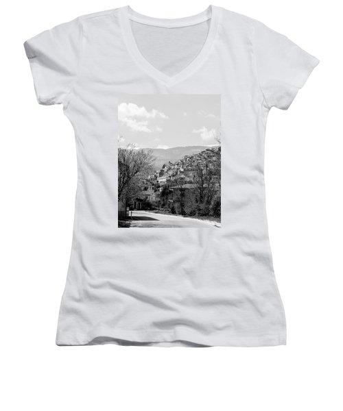 Pretoro - Landscape Women's V-Neck