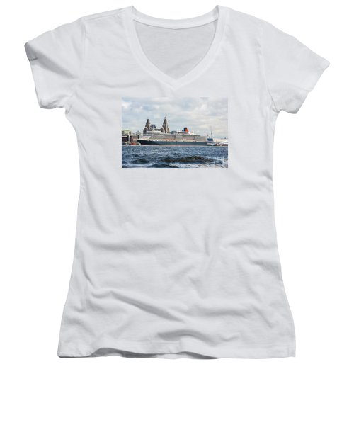 Queen Elizabeth Cruise Ship At Liverpool Women's V-Neck