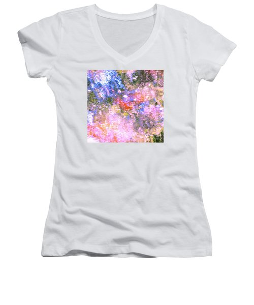 Reaching Angels   Women's V-Neck T-Shirt