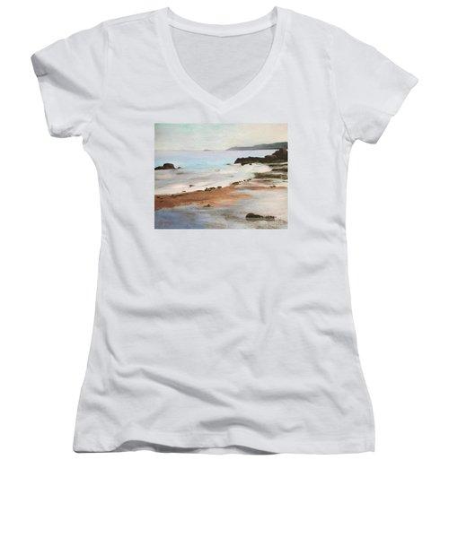 Rocky Neck Beach At Sunset Women's V-Neck T-Shirt
