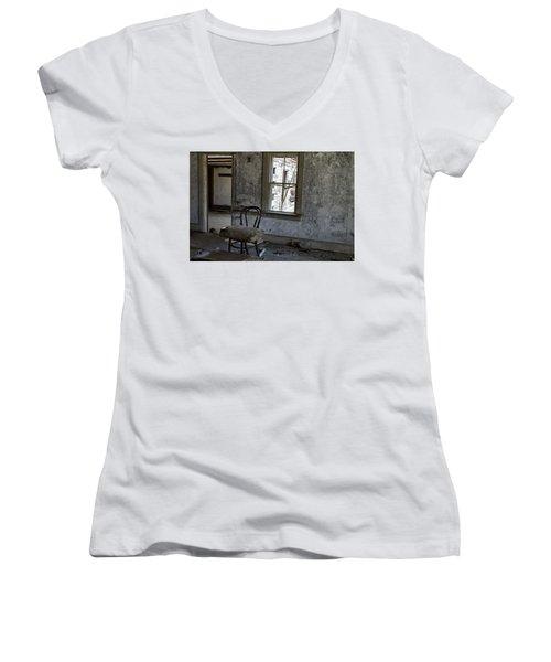 Room Of Memories  Women's V-Neck T-Shirt (Junior Cut) by Betty Pauwels