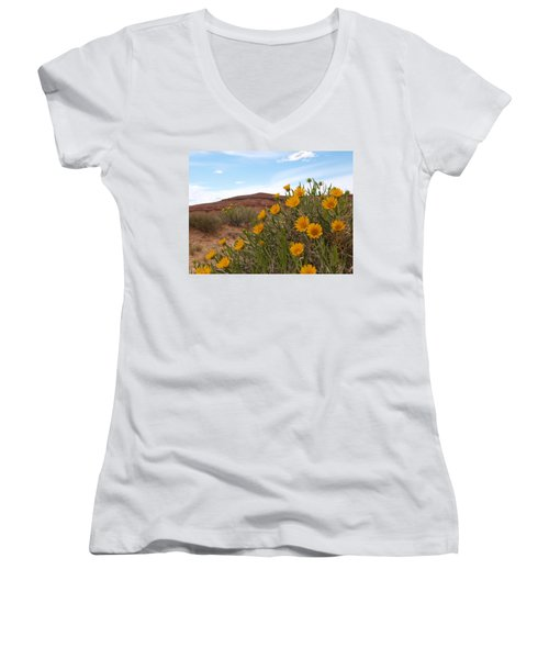 Rough Mulesear Flowers Women's V-Neck T-Shirt