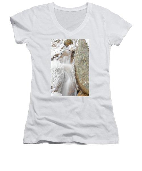Ruxton Of Manitou  Women's V-Neck T-Shirt (Junior Cut)