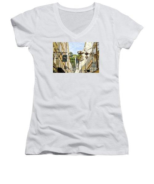 Salzburg Shopping Women's V-Neck