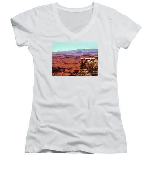 San Rafeal Swell Women's V-Neck (Athletic Fit)