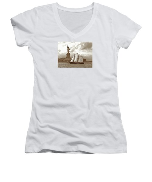 Schooner At Statue Of Liberty Twurl Women's V-Neck T-Shirt