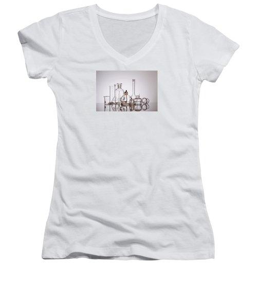 Scientific Glassware Women's V-Neck T-Shirt