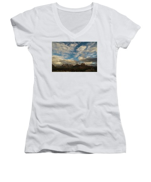 Sedona Arizona Redrock Country Landscape Fx1 Women's V-Neck T-Shirt (Junior Cut)