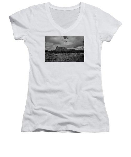 Sedona Red Rock Country Arizona Bnw 0177 Women's V-Neck T-Shirt