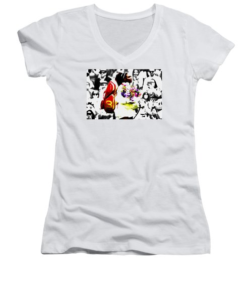 Serena Williams 2f Women's V-Neck T-Shirt (Junior Cut) by Brian Reaves